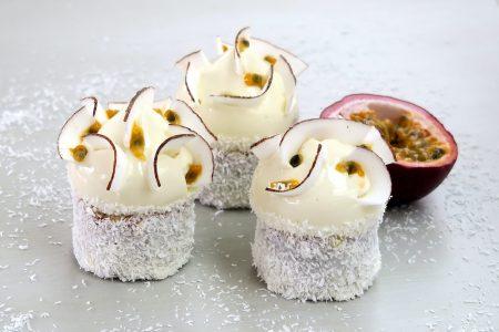 Petits gâteaux noix de coco et fruits de la passion
