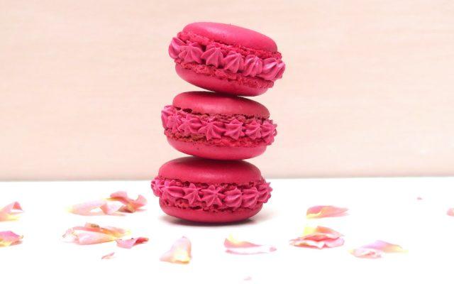 Macaron rose, litchis et framboise