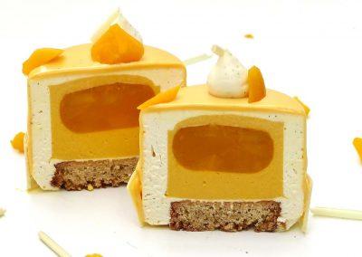 Entremet à la mangue et vanille